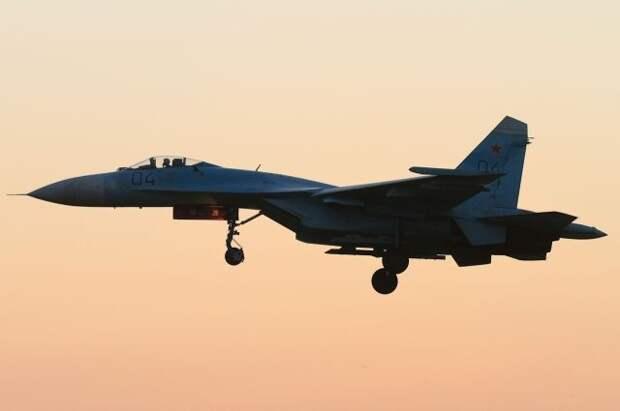 Российские Су-27 сопроводили французские самолеты над Черным морем