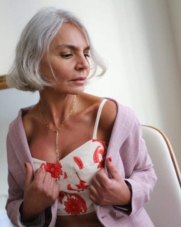 6 аксессуаров, скоторыми женщина кажется моложе, аобраз— роскошнее
