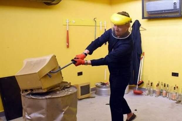 Турецкий отель разрешил ломать мебель и бить посуду