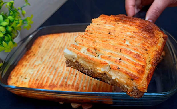Запеканка на ужин на 2 дня: вместо творога смешиваем картофель и фарш