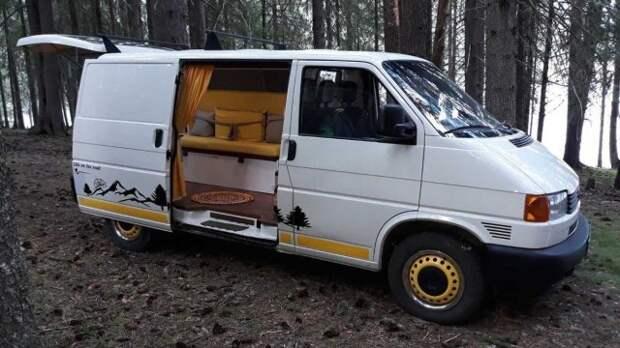 Дом на колесах из Volkswagen Transporter (11 фото)