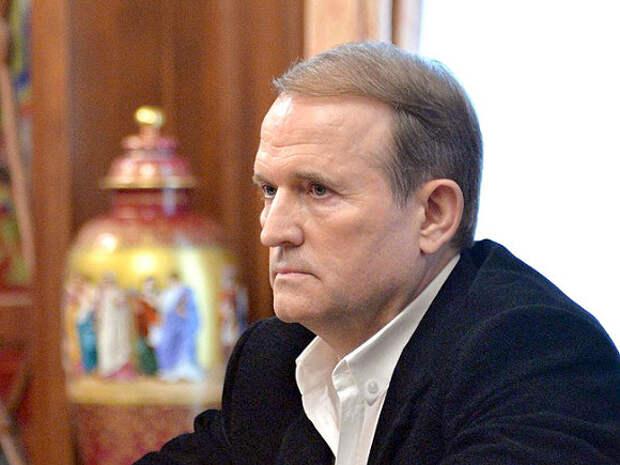 В Киеве произошли стычки из-за Медведчука, который отказался признать себя пророссийским политиком