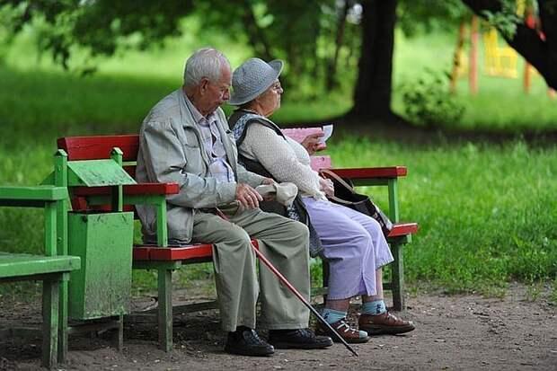 В ПФР объяснили, что пенсия россиян старше 80 лет или со стажем на Севере увеличивается в любое время года