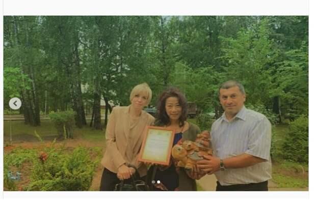 Жительницу Восточного Дегунина наградили за благоустройство придомовой территории