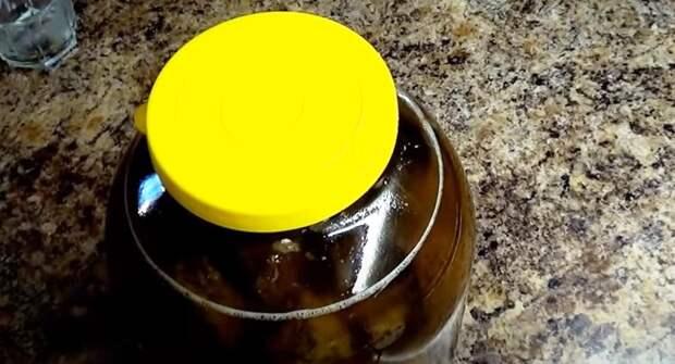 Пошаговый рецепт вкусного домашнего кваса. Для резкости добавляю изюм