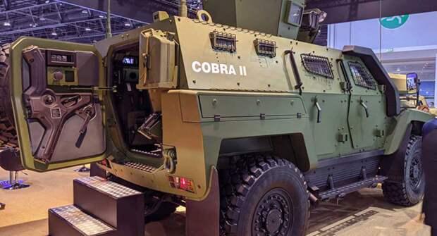 В Абу-Даби представили военную машину Cobra II