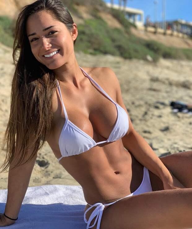 Милые, спортивные и с хорошей фигурой девушки для улыбки и позитива