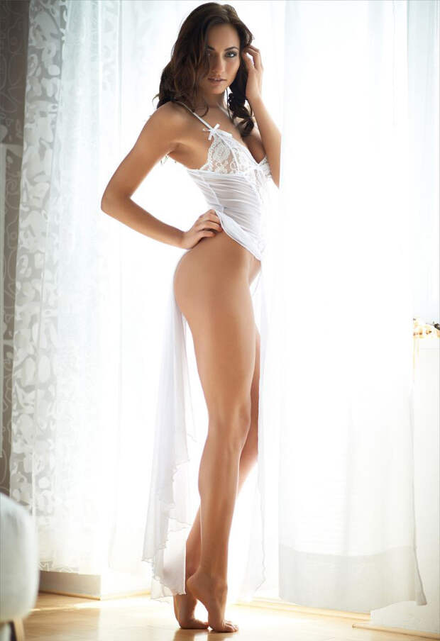 Девушки с отличными ногами (31 фото)