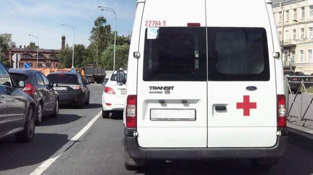 Шесть человек погибли в результате наезда автобуса на КПП в Свердловской области