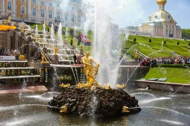 Весенний Праздник фонтанов в Петергофе состоится 22 мая