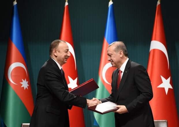 Баку угождает Анкаре: турки заставляют Азербайджан бросать друзей