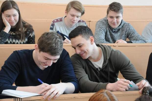 Студенты восьми нижегородских вузов примут участие во «Взлетной полосе для молодых профессионалов»