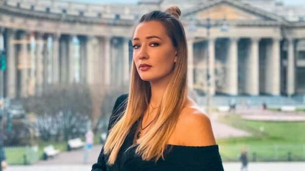 Российскую теннисистку Сизикову задержали в Париже