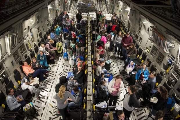 Быдлостан: Какая же скотовозка этот самолет для эвакуации (новое фото)