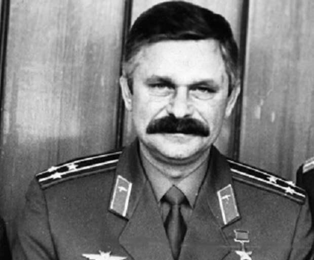 Почем Александр Руцкой хотел бомбить столицу Грузии