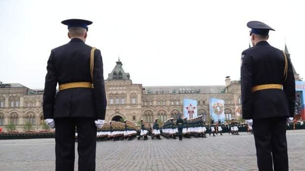 """Sohu: российская """"Катюша"""" заставила военных ВС Китая учиться маршировать по-новому"""