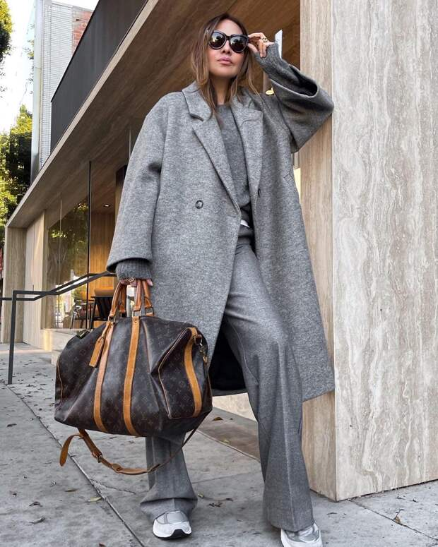 15 нескучных способов носить серые брюки и выглядеть модно