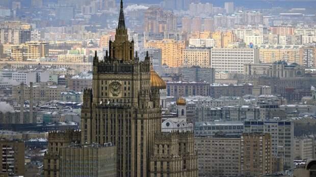 Российские дипломаты в 54 странах спели «Катюшу» в честь Дня Победы