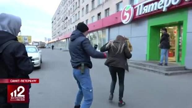 """Мощный хук и газ в лицо: активист """"СтопХама"""" подрался с автоледи"""