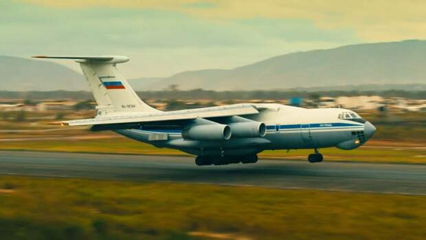 """Военный эксперт Рожин призвал снимать больше фильмов, подобных """"Туристу"""""""