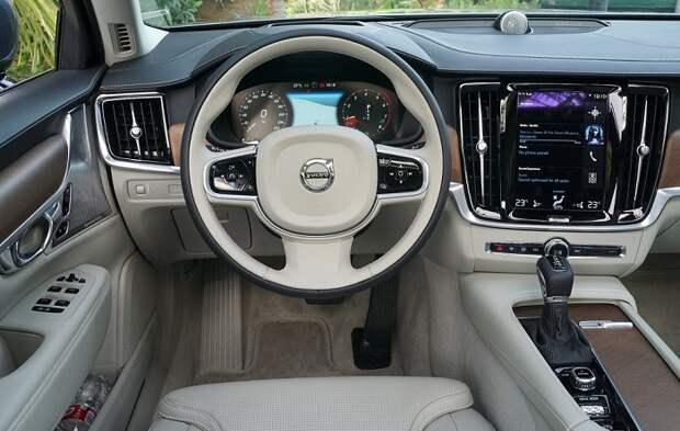 Интерьер Volvo S90/ Фото: autoguide.com