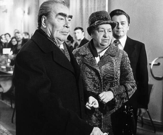 3 жены советских лидеров, предпочитавшие оставаться втени