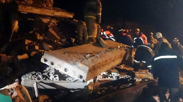 Дефект конструкции мог стать причиной обрушения метромоста в Мехико