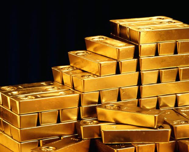 Мировые страны забирают золото и бегут от США