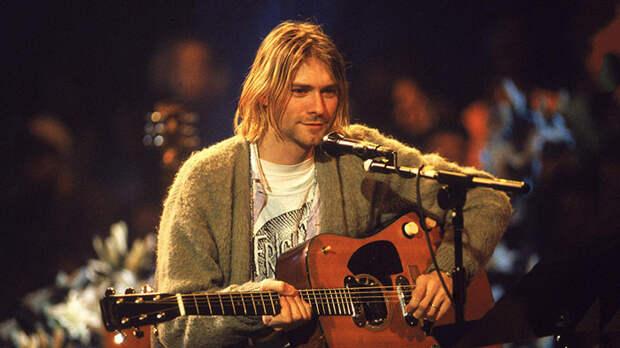 Курт Кобейн во время записи MTV Unplugged в Sony Studios, Нью-Йорк, 1993 год.