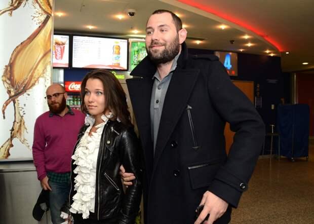 СМИ: Семён Слепаков изменял своей экс-супруге