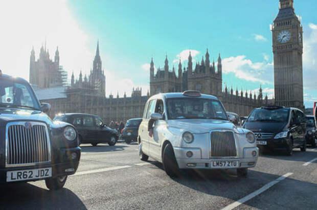 В Лондоне будут штрафовать за стоянку автомобилей с работающим мотором