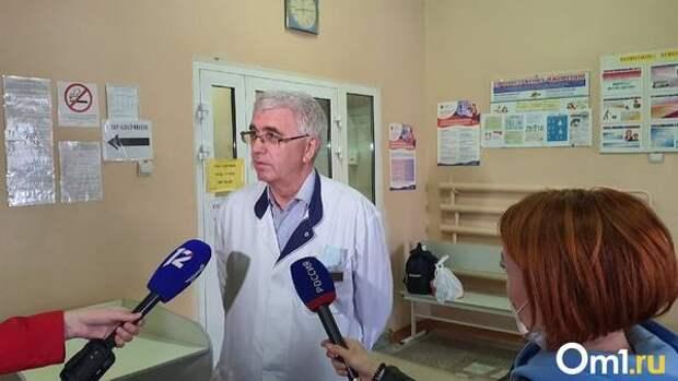 «Прогнозы пока бессмысленны». Омский врач рассказал о состоянии маленького Арсения Захарова