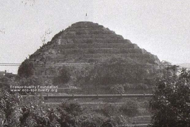 Пирамиды Франции