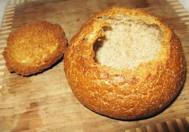 Фото рецепта - Чешский картофельный суп пюре в хлебе - шаг 3