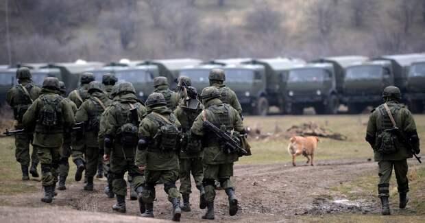 Украина и Россия стягивают войска к непризнанным республикам: диванный расклад