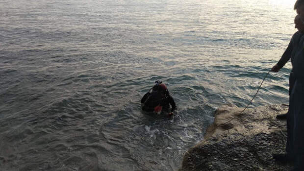 Сотрудники МЧС Севастополя обезвредили снаряды на пляже в Каче