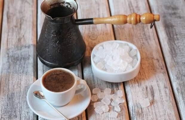 Морская соль раскрывает истинный аромат кофе. / Фото: stiralkovich.ru