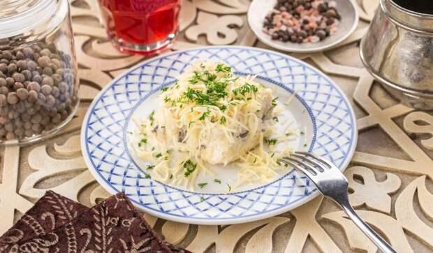 Слоёный салат с шампиньонами, картошкой и сыром