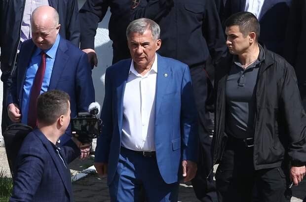 Минниханов назвал напавшего на школу в Казани террористом