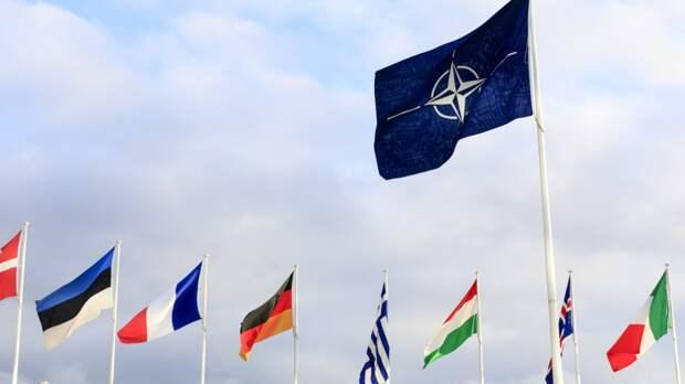 Киев верит в способность НАТО положить конец войне на Украине