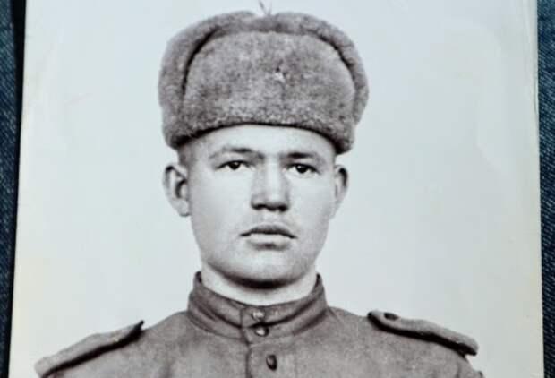 «Прошли все круги». Омский ветеран войны умер, недождавшись положенной квартиры