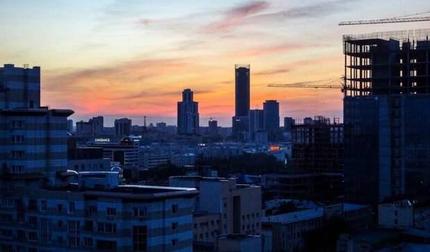 Напавший на автомобиль человек был избит в Екатеринбурге