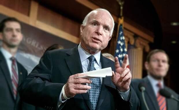 Маккейн грозит миру хаосом, если он останется без руководящей роли США
