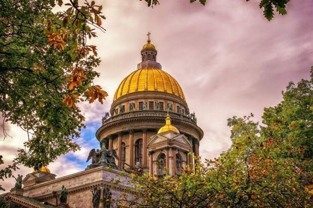 В Петербурге введут лимит на число посетителей массовых мероприятий