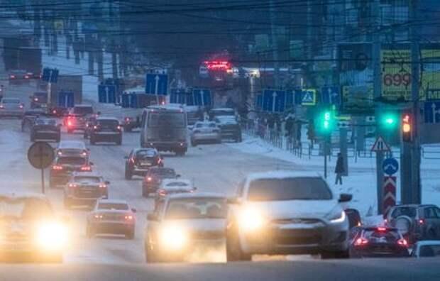 Vehicles drive along a street in Chelyabinsk, Russia February 26, 2020. Picture taken February 26, 2020. REUTERS/Maxim Shemetov