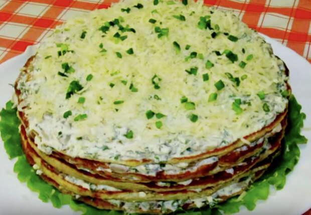 Приготовили курицу как пирог: смешиваем фарш с яйцами и мукой