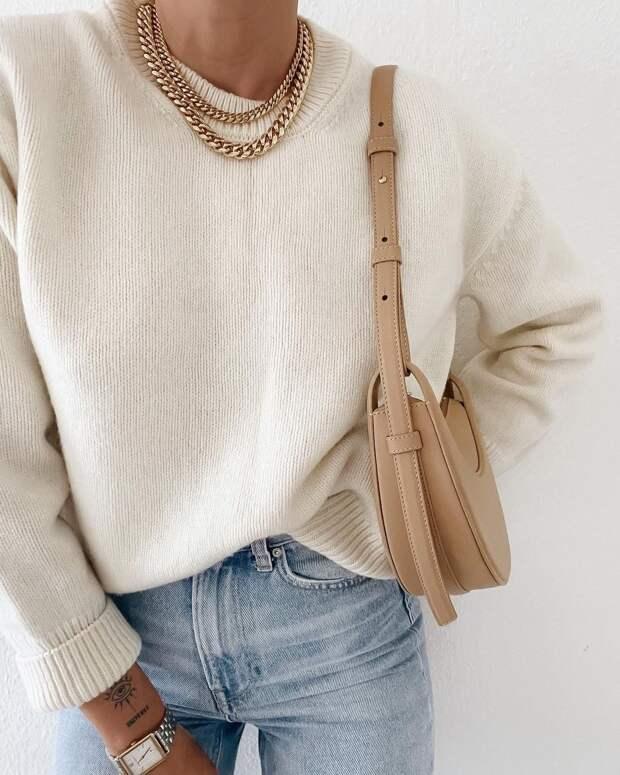 Как стильно носить джинсы с трикотажными вещами осенью: 12 модных идей