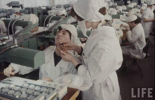 7 удивительных фото о том, как лечили в Советском Союзе