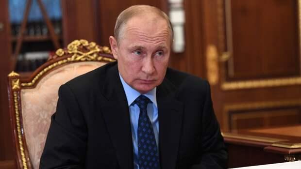 Путин призвал сконцентрироваться на наращивании темпов вакцинации от COVID-19