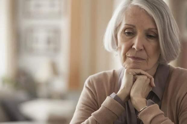 Сестра мужа заняла денег под расписку и не отдает. «Только не ходи в суд, я сама буду отдавать долг с пенсии!» - умоляет свекровь